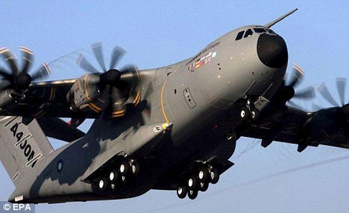 Avion militar prabusit in Spania, langa Sevilla! 10 PERSOANE s-ar afla la bord!