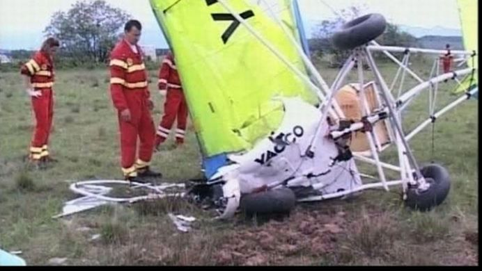 Apel 112: Un avion s-a prabusit in camp, langa Gherla!