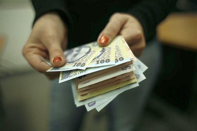 Vestea buna: Cresc salariile bugetarilor! Vestea proasta: doar unii primesc bani mai multi!