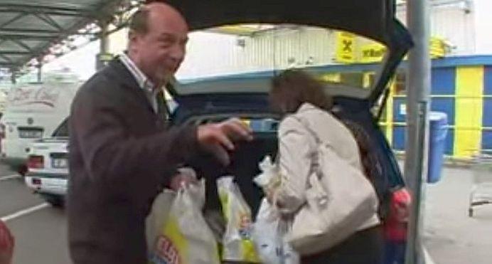 """VIDEO Basescu urmarit PENAL in cazul """"tiganca imputita""""! Acuzatii: furt, furt calificat si insulta!"""