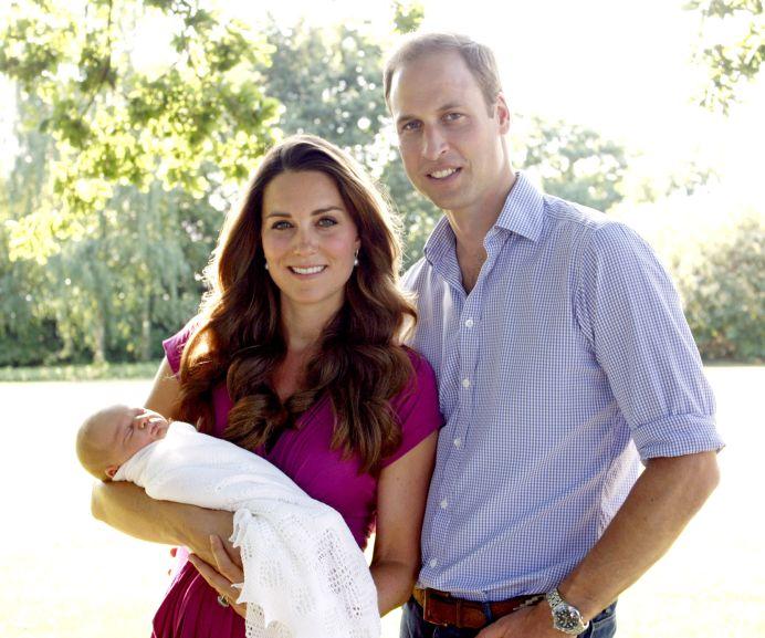 SARBATOARE in Marea Britanie! Este fetita! Ducesa Kate A NASCUT!