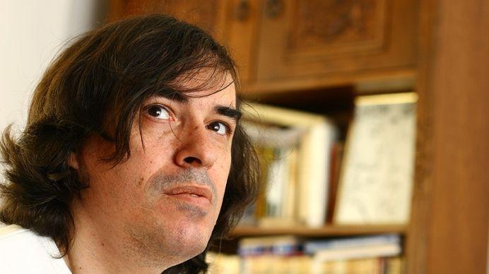 Scriitorul Mircea Cartarescu il UMILESTE, cu stil, pe Klaus Iohannis!