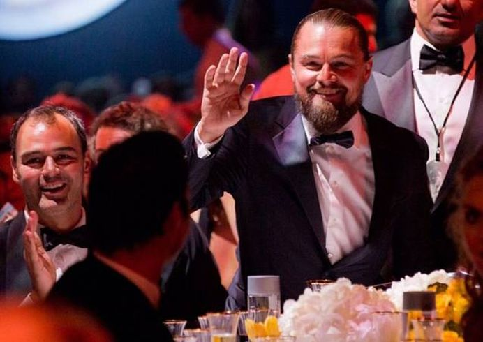 Leonardo DiCaprio de NERECUNOSCUT! A ajuns OBEZ si COCOSAT!