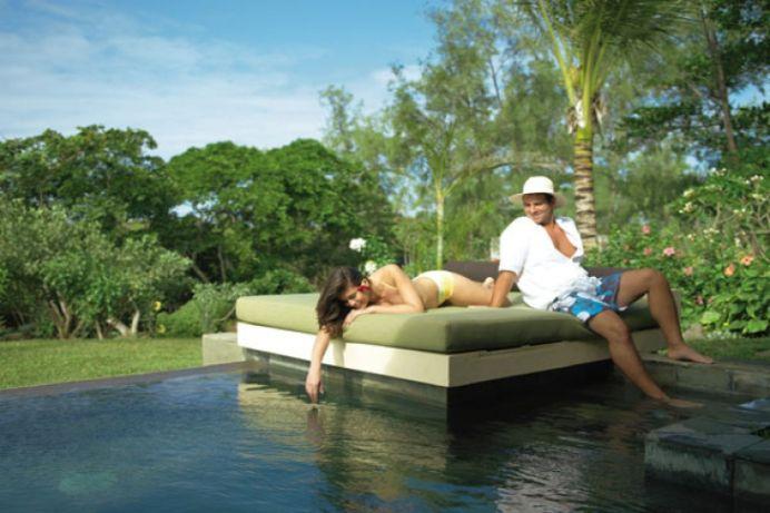 Un patron roman isi duce cei 160 de angajati din toata tara in concediu in insulele Mauritius!