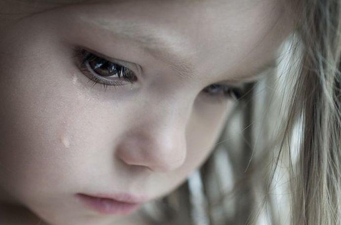 CAZ SOCANT! O fetita de doar 10 ani este INSARCINATA si nu poate face AVORT dintr-un motiv INCREDIBIL!