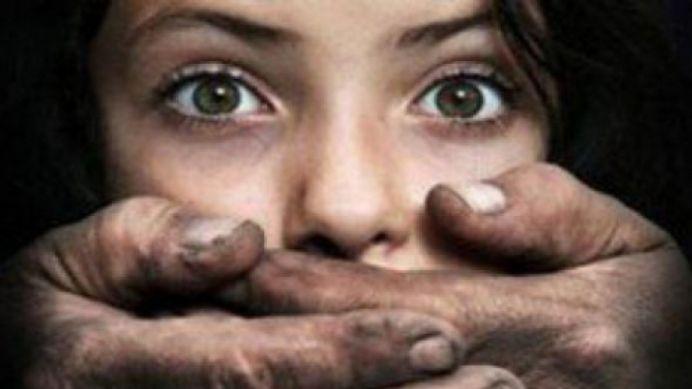 Fetita de doar 11 ani din Romania, violata si vanduta in Spania pe 17.000 de euro