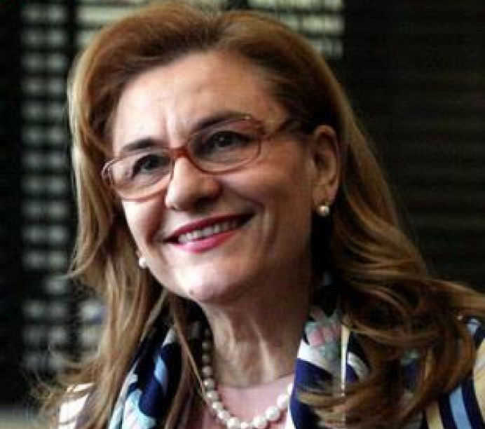 Maria Grapini RUPE FACEBOOK-UL IN DOUA cu exemple din putul gandirii!