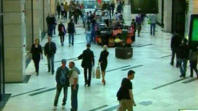 Judecatorii din Buzau vor sta TOATA ZIUA la mall!