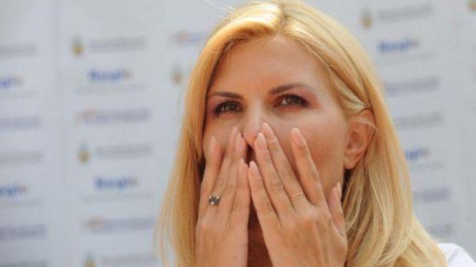 Elena Udrea ARUNCA IN AER scena politica! Ultimele ei dezvaluiri BAGA SPAIMA in politicieni!