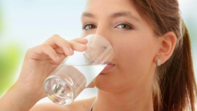 Cum si cand sa bei apa! Asa vei avea mai multa energie si vei slabi!
