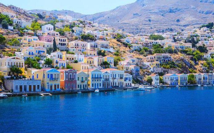 De frica FALIMENTULUI pachetele turistice in Grecia au scazut la jumatate!