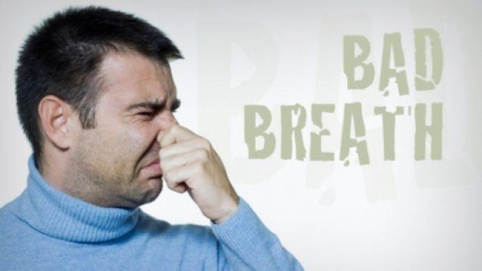 Scapa de respiratia urat mirositoare in cateva secunde!