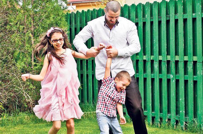 Pavel Stratan si familia lui, OBLIGATI sa plece din Romania!