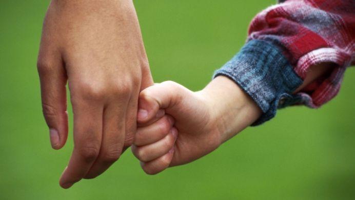 Topul motivelor pentru care tatii TREBUIE sa se implice in cresterea copiilor!