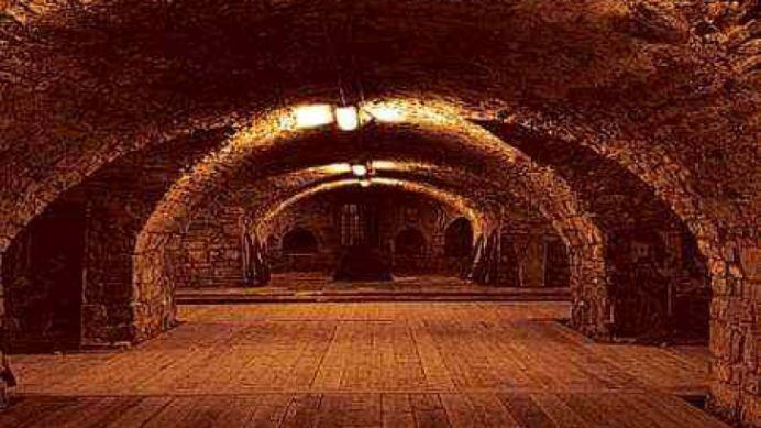 Exista tuneluri pe sub Marea Neagra care leaga Romania de Turcia?