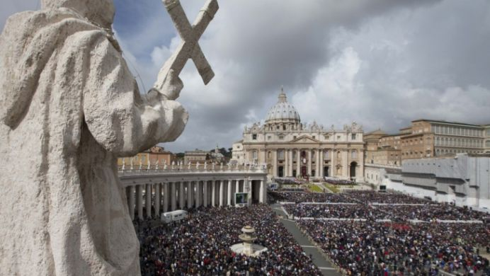 Primul proces de PEDOFILIE la Vatican! Un OFICIAL al statului sfant a fost gasit vinovat!