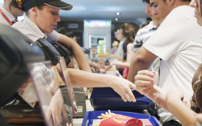 Ce salarii plateste McDonalds in Romania! Tu ai lucra pentru banii astia?