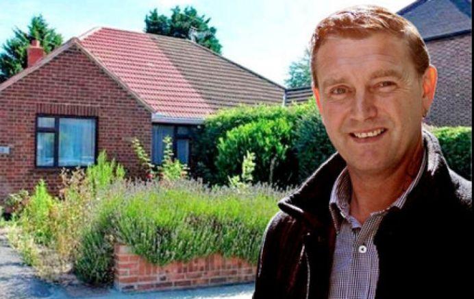 Un milionar celebru i-a lasat TOATA AVEREA vecinului, care l-a ajutat la curatenia prin curte!