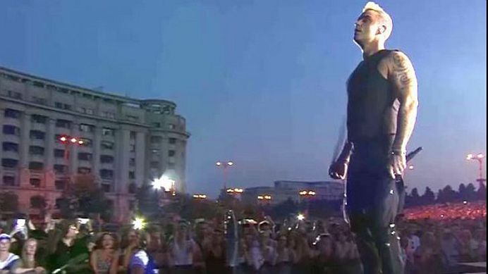 Robbie Williams implicat intr-un accident auto in Bucuresti! Vezi cum a fost musamalizat totul!