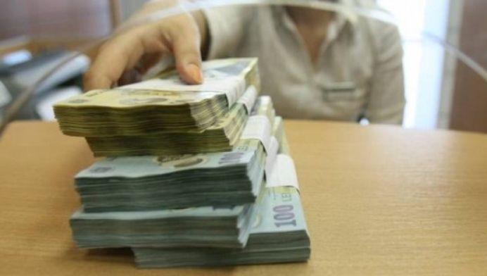 Cea mai mare pensie din Romania depaseste 27000 de lei pe luna! Vezi CINE CASTIGA banii acestia!