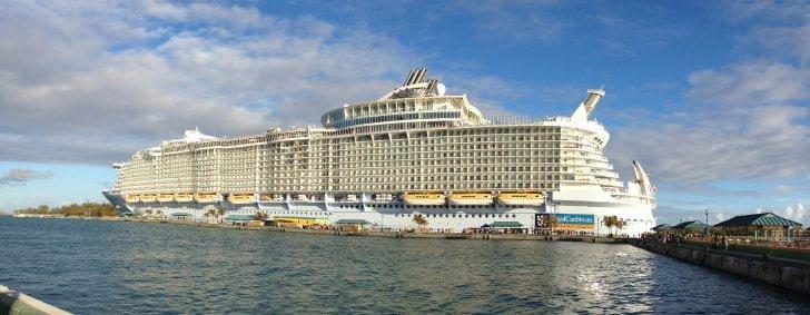 VIDEO – Premierul Victor Ponta conduce Romania de la bordul celui mai mare VAS DE CROAZIERA din lume!