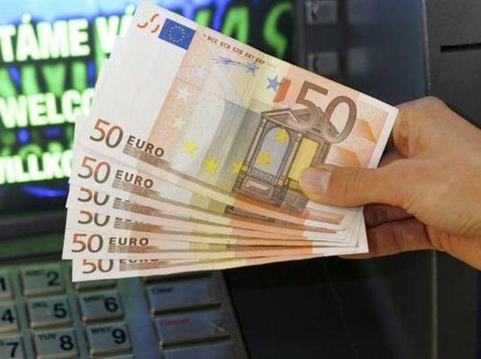 Veste buna de la Bruxelles! Romanii pot primi 1800 de euro pe luna!