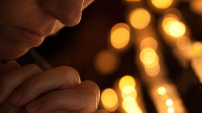 Treci printr-o perioada mai grea? Rosteste aceasta rugaciune, speciala pentru postul Adormirii Maicii Domnului!