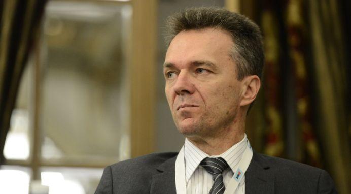 Economistul sef al BCR: N-avem nicio sansa sa intram in zona euro NICI IN 2021!
