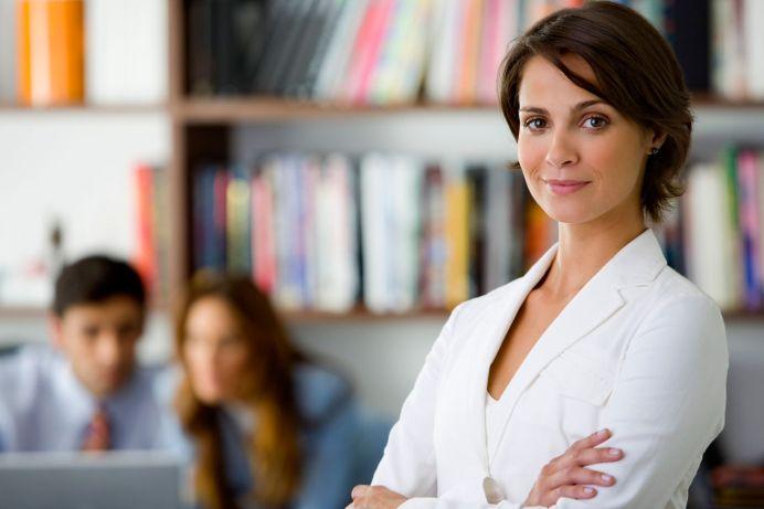 Veste buna pentru toate femeile din Romania! Statul le da 50.000 de euro sa aiba afacerea lor!