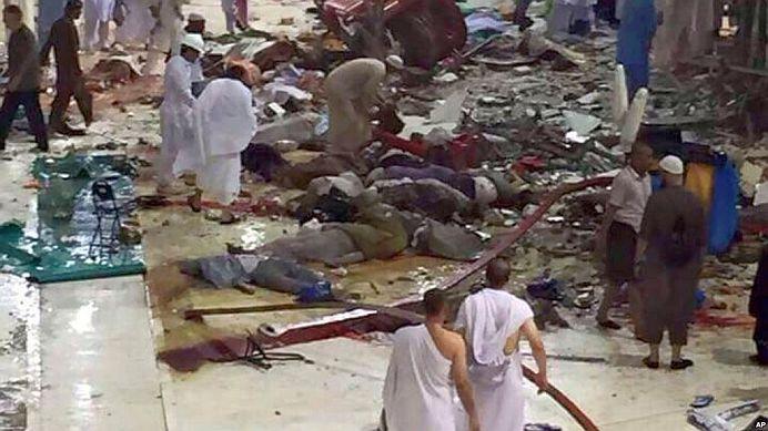 VIDEO TULBURATOR! Momentul in care o macara uriasa se prabuseste peste CEA MAI MARE MOSCHEE din lume! 107 oameni au murit!