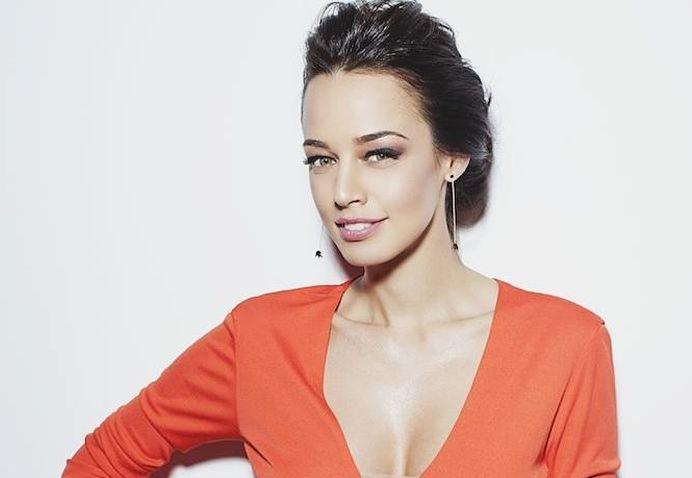 """VIDEO – Una dintre cele mai frumoase femei din Romania SE LUPTA CU DEPRESIA! """"Plangeam in fiecare zi!"""""""