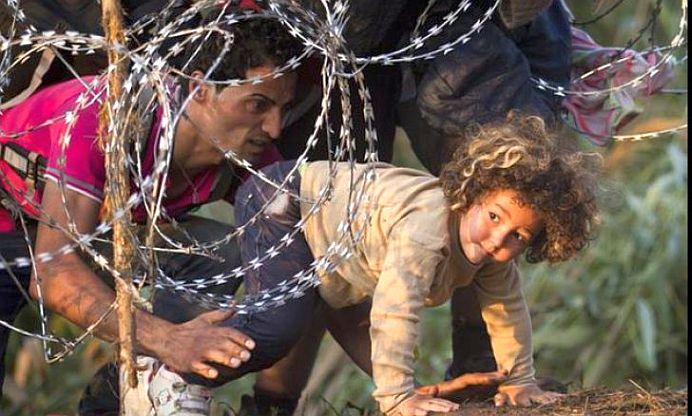 """""""In numele umanitatii trebuie sa fim solidari!"""" Tot mai multi romani se ofera sa gazduiasca imigranti sirieni in casele lor!"""