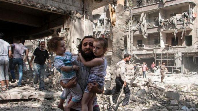 Rusia a BOMBARDAT civili NEVINOVATI in Siria! SUA si statele europene II SOMEAZA sa inceteze!
