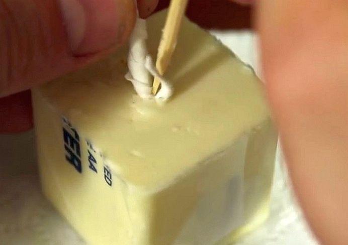 VIDEO – Ar fi stupid daca n-ar FUNCTIONA! Ce se intampla daca pui hartie igienica in UNT?!