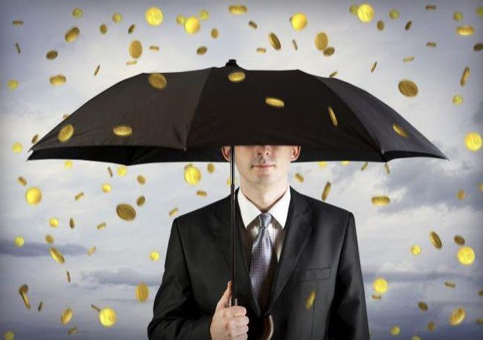 Lege noua! Daca ai datorii la banci, RECUPERATORII nu te mai pot FURA!