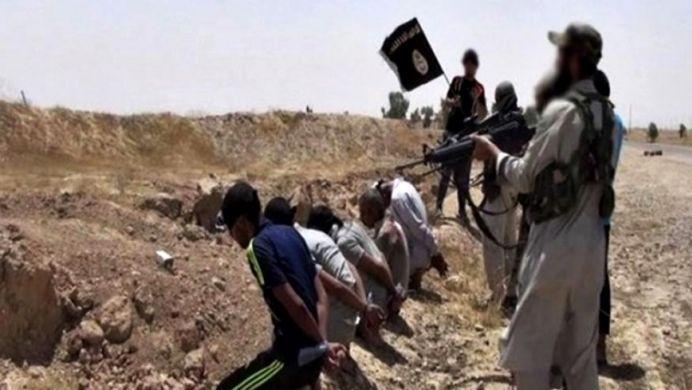 FOTO SOCANT! 12 copii crestini devin MARTIRI! ISIS ii ucide cu sange rece pentru ca nu vor sa treaca la Allah!