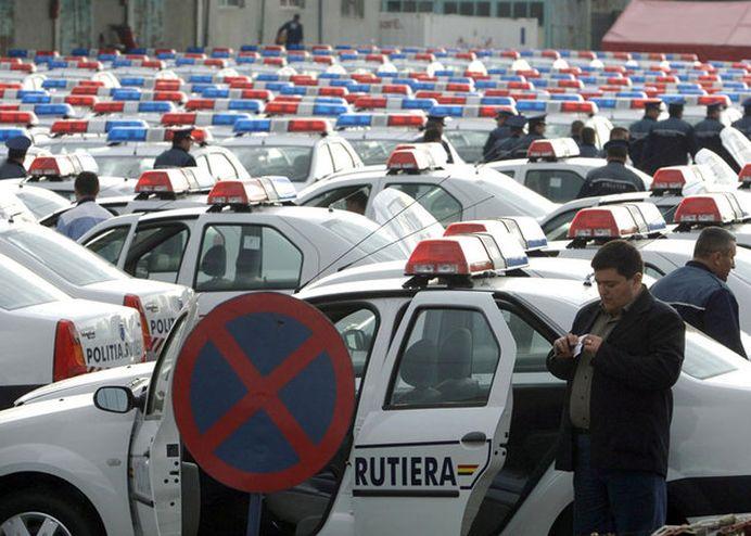 Celebrele Logan-uri de Politie SUNT ISTORIE! Vezi ce masini a cumparat Politia Rutiera, ca sa stii de cine te feresti la volan!