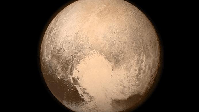 VIDEO – NASA face un anunt istoric: Pluto are cer albastru si apa inghetata, este superb!