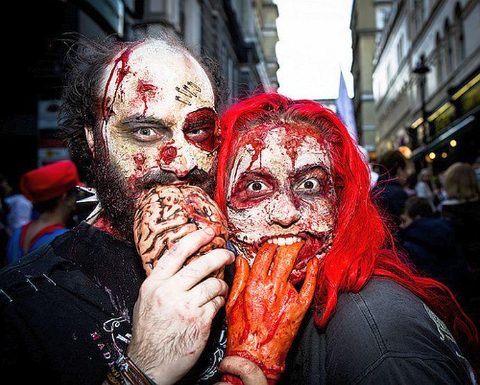 FOTO – VIDEO Mii de zombii pe strazile Londrei!