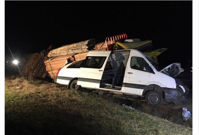 COD ROSU in Buzau! Grav accident de circulatie, trei sportivi cunoscuti au MURIT PE LOC, alti 11 sunt raniti!