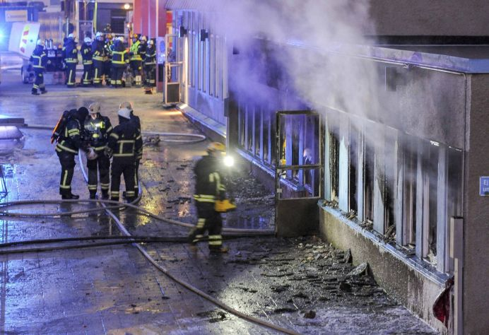 Crestinii sunt LA FEL DE CRUZI ca TERORISTII! Amenintari socante in moscheile din Europa: Va VOM TAIA ca pe PORCI!