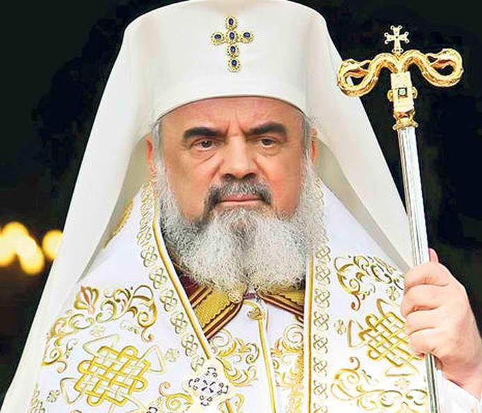 Replica unei JURNALISTE catre Patriarhul Daniel: Da-te DRACULUI jos din Mercedesul cu scaune incalzite si mangaie mamele care-si cauta copiii morti!