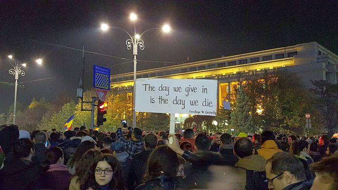 Mars de amploare in Bucuresti! Facebook-ul VUIESTE despre asta!