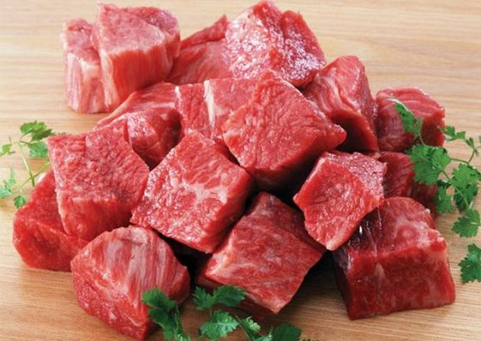 ATENTIE sa nu va stricati sarbatorile! Peste 12 TONE de carne ALTERATA gasita la vanzare in Auchan, Carrefour si Cora!