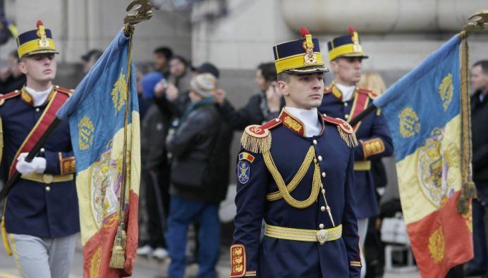 ALARMA la Parada de 1 Decembrie! Un barbat INARMAT s-a apropiat de presedintele Klaus Iohannis!