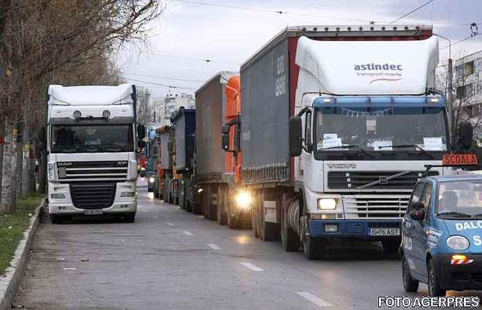 Transportatorii BLOCHEAZA joi Bucurestiul! Mii de TIR-uri sunt asteptate in centru!