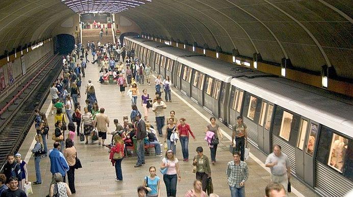 INCENDIU GRAV in metrou! Calatorii sunt prinsi in statia Piata Romana!