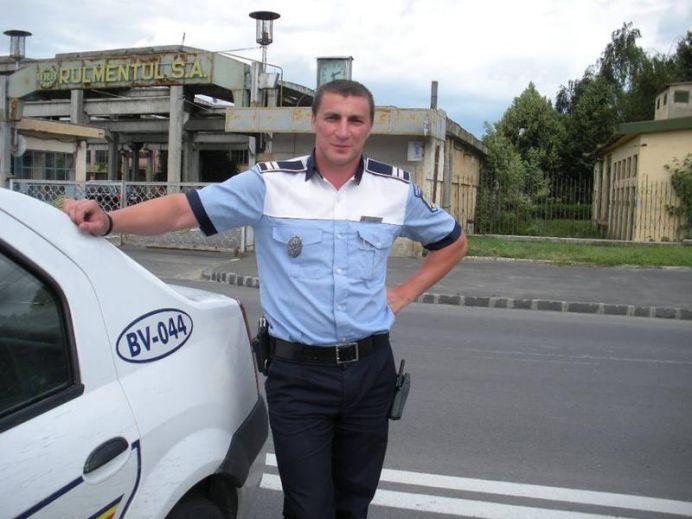 Politistul Marian Godina DAT IN JUDECATA! L-a facut PEDOFIL!