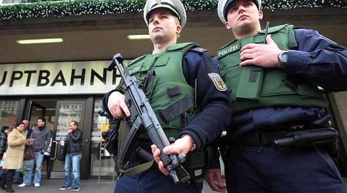 Un mort si mai multi raniti intr-un atac terorist cu cutitul, in Germania!