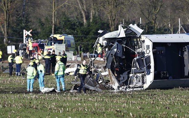 FOTO – VIDEO Un mort si mai multi raniti in urma unui accident de tren in Olanda!